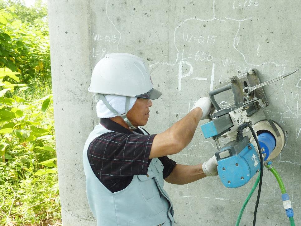 微破壊・非破壊試験によるコンクリートの強度測定