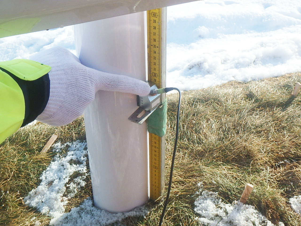斜里町 鋼製防護柵 根入れ長測定